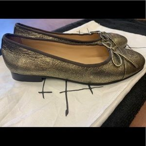 Chanel flats — excellent condition!